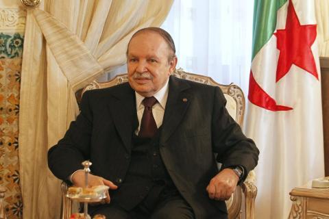 APS - Le Président Bouteflika invite le gouvernement à accélérer le processus de création de l'Académie de la langue amazighe