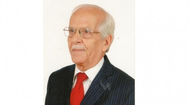 A  l'occasion de ses 90 ans , le HCA présente ses meilleurs vœux de bonheur et de santé à Mohamed HILMI.