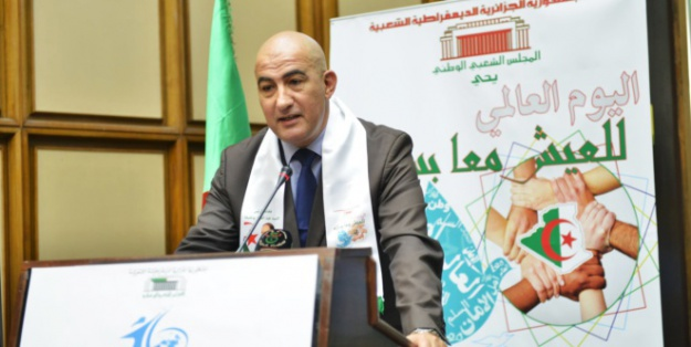 El Watan – Si El Hachemi Assad. Secrétaire général du HCA : «Dès cette année scolaire, les 48 wilayas seront concernées»