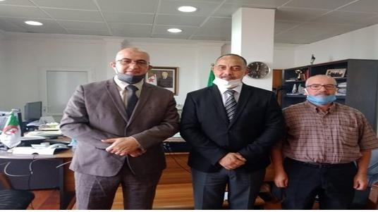 Séance de travail entre le Secrétaire Général du Haut Commissariat à l'Amazighité et le Directeur Général de la Radio Algérienne