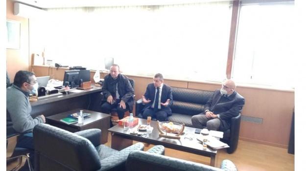 Rencontre de concertation entre le Secrétaire Général du Haut Commissariat à l'Amazighité et le Directeur Général de la Télévision Algérienne.